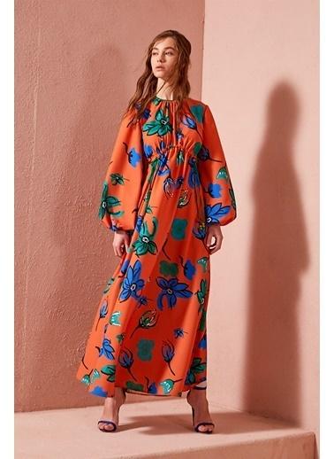 Vivencia Çiçek Desenli Turuncu Empirme Elbise Oranj